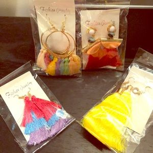 Fashion jewelry earring set of 4! Brand New!!!🎁
